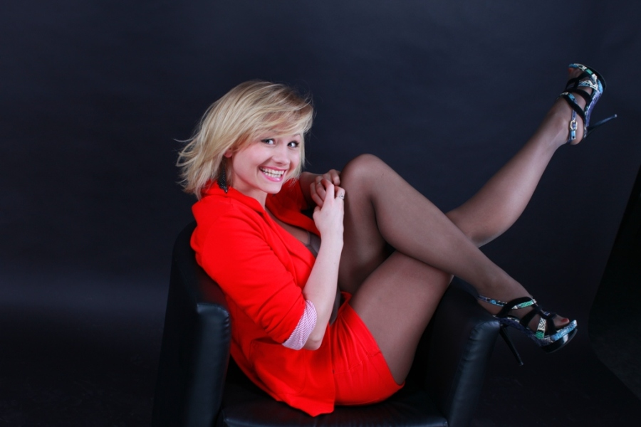 golaya-aktrisa-zinchenko-ekaterina-foto
